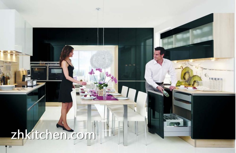 High gloss black kitchen cabinets modern design - Glossy black kitchen cabinets ...