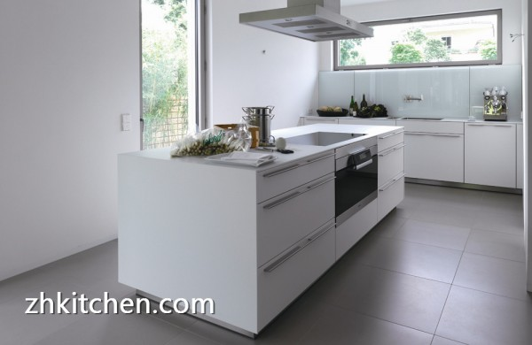 High gloss white prefab kitchen cabinets for Prefab kitchen cabinets