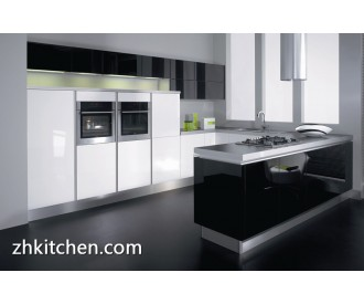 Small kitchen cabinet with high gloss black and white color