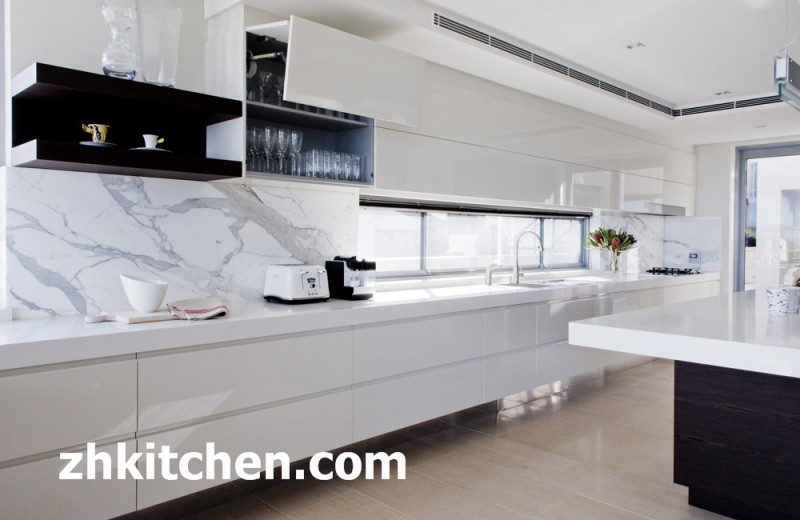 White high gloss kitchen designs at zhuv for Kitchen ideas high gloss