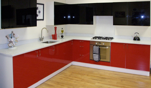 Customized and Moisture- proof Acrylic Kitchen Cabinets